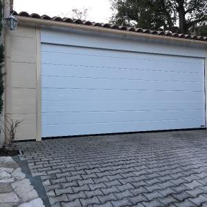 Installation porte garage sectionnelle parties fixes St-Maximin-la-Ste-Baume